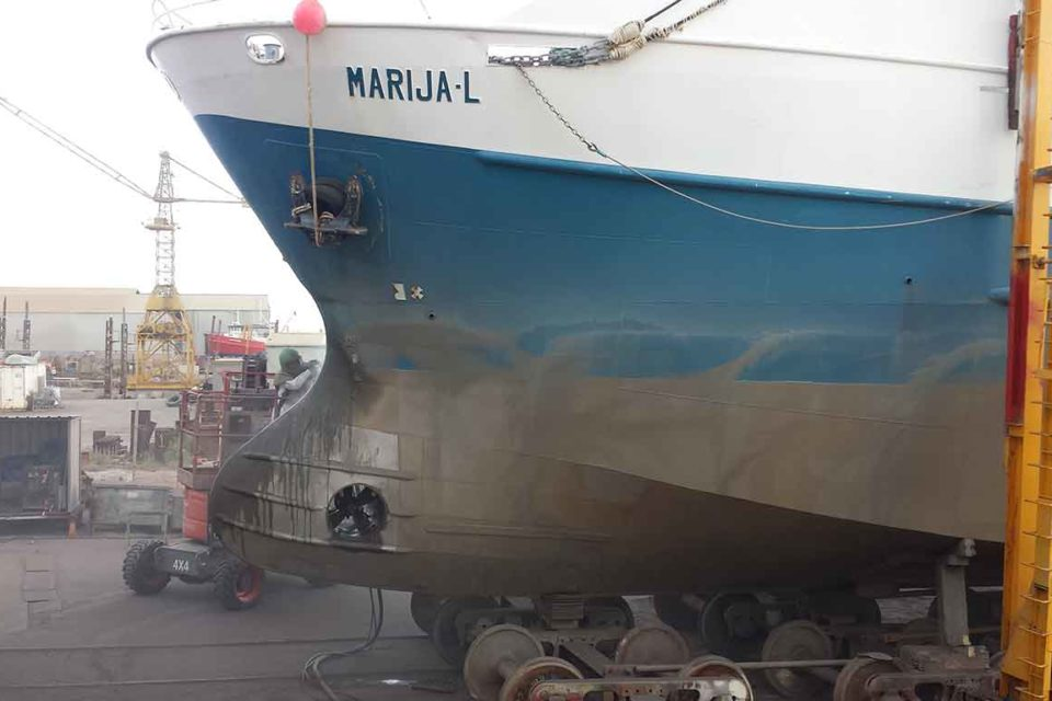 Adelaide Wet Abrasive Blasting for Boats