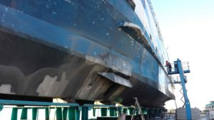 Abrasive Blasting to Clean Ships
