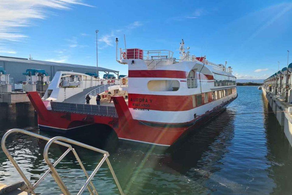 Adelaide Ship Wet Abrasive Blasting